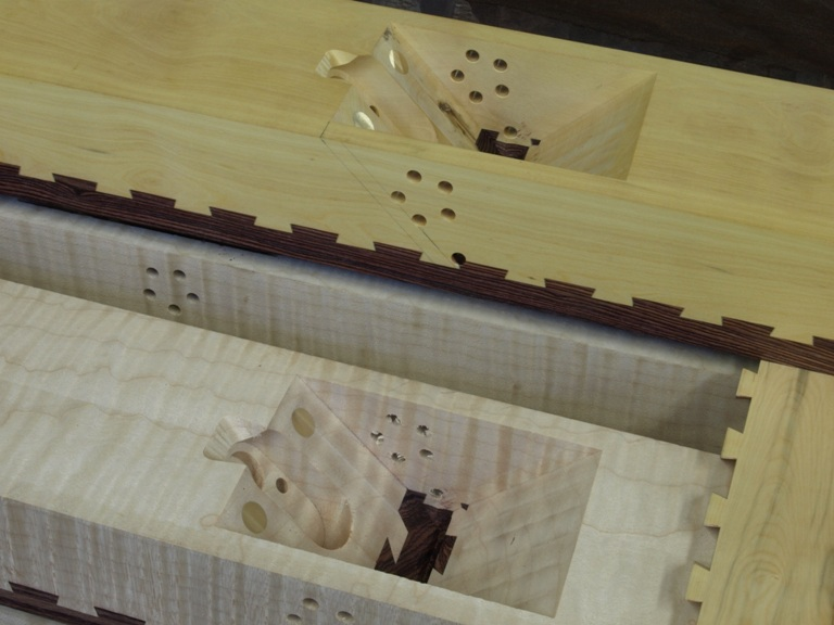 81 T21 Transitional dovetailed jointer